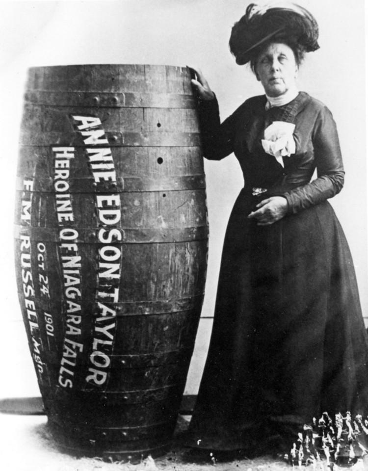 Annie-Taylor-barrell-over-Niagara