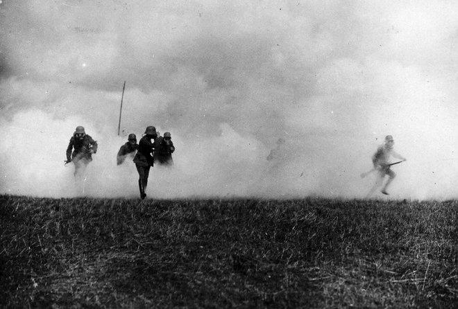 12-gas-attack-flanders-front