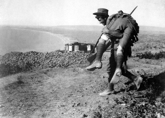 13-australian-soldier-rescues-comrade